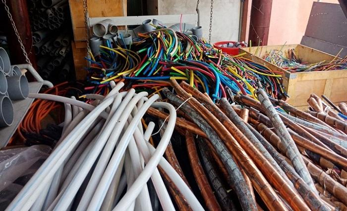 Một số dây điện 3 pha cũ từ 2-5 lõi