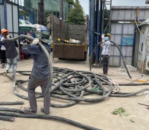 Nhân viên thu mua phế liệu tận nơi tại các tỉnh Miền Bắc